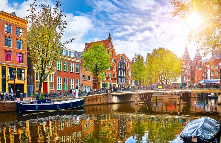 passeio-de-barco-em-amsterdam