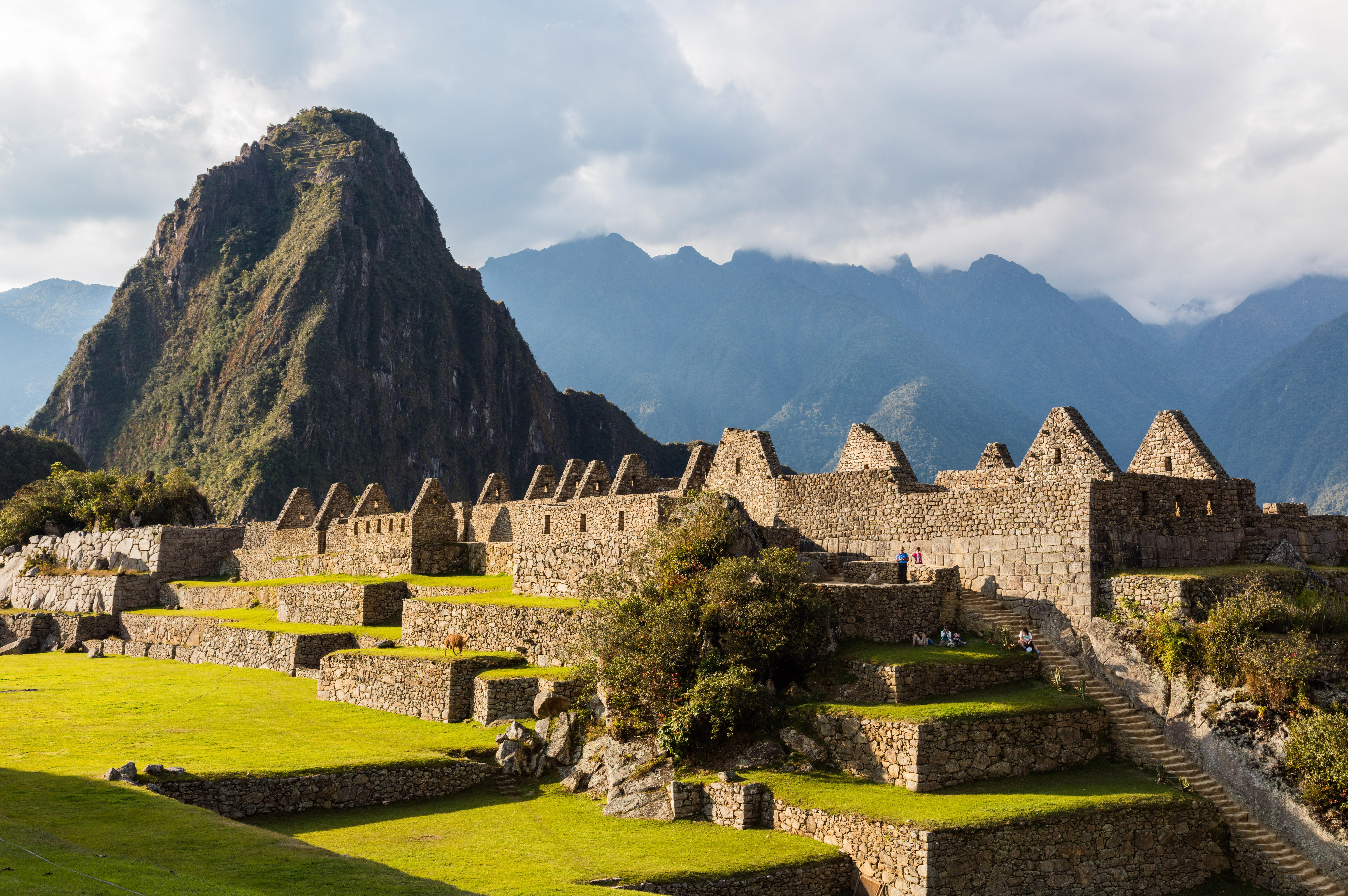 Machu_Picchu,